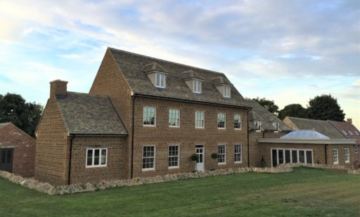 New country house and renovation of existing buildings